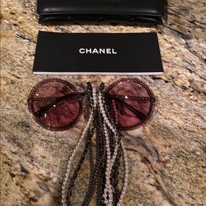 NEW, AUTHENTIC CHANEL 4245 Round with Chain